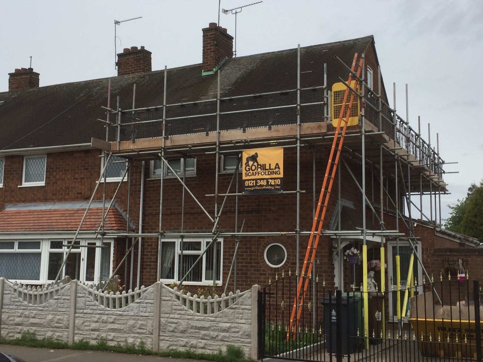 Domestic scaffolding on a house by Gorilla Scaffolding